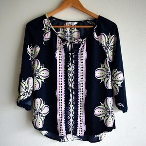 Crown & Ivy tunic style boho style trimmed top